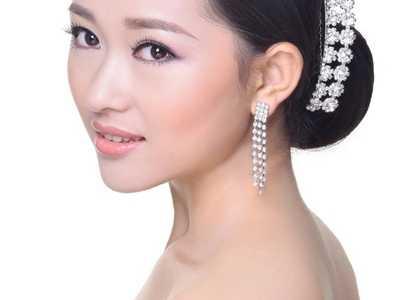 新娘盘头步骤 新娘发型详细步骤