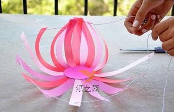 手工灯笼的做法 纸编桃子的手工灯笼制作方法