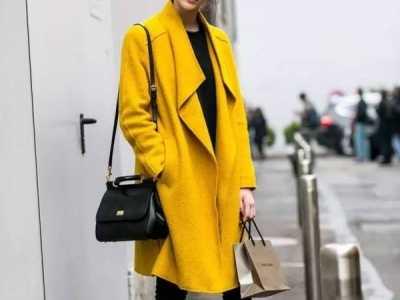 衣服与包包同色 最实用的包包与衣服的配色技巧