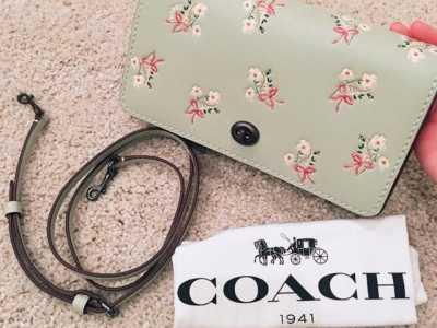 好看不贵的女包牌子 扒一扒Coach这些好看、时尚、背10年都不落伍包包款式