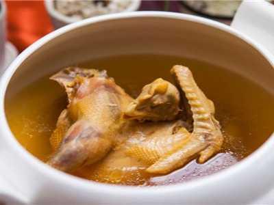 炖过的鸡怎么炒 母鸡要炖公鸡要炒