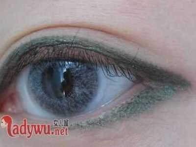 怎么化大眼妆 揭眼妆怎么画让眼睛看起来更大一些