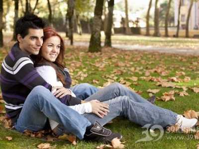 男人做爱时吻 这4个部位做爱时女人最喜欢被吻