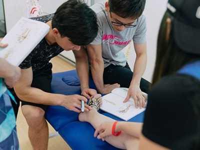 健身完脚后跟疼 跑步运动完脚后跟跟腱疼痛怎么办