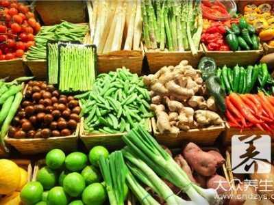 哺乳期吃紫包菜胀气 母乳期千万小心这些易引起胀气食物