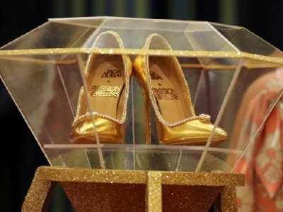 世界上最美的钻石鞋 世界最贵高跟鞋亮相迪拜