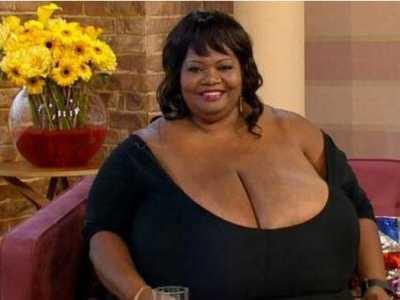 世界上最大的胸部 10个胸围逆天的女人