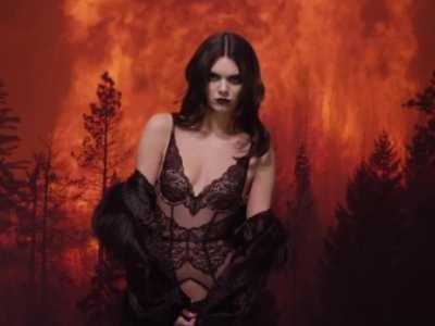 肯达尔.詹娜裸写真 金小妹肯达尔詹娜拍摄火场内衣写真