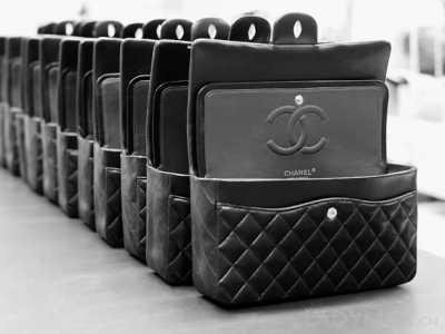 香奈儿专柜可以护理吗? Chanel已经停止对所有手袋作永久保养的保证