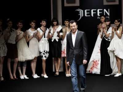 08年女士新款时装 2008年的中国服装业