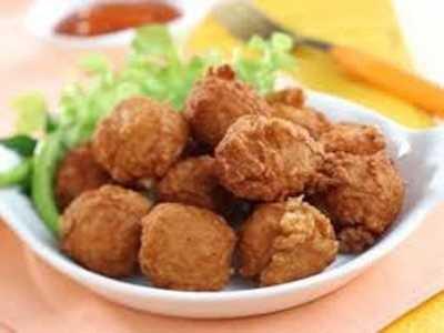 主妇美食 春节必备食品炸猪肉丸
